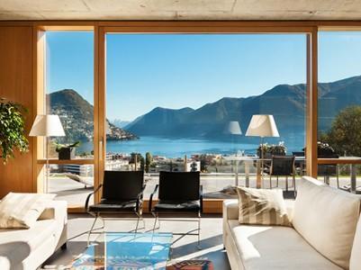 Tudi panoramska okna imajo lahko polkna