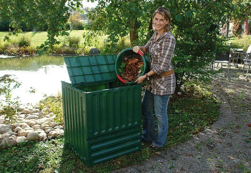 Komposter z enostavnim polnjenjem, hitrim kompostiranjem, dostopom mikroorganizmom do kompostnika na voljo v različnih velikostih.