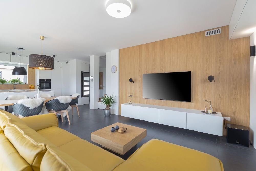 Leseno pohištvo izdelano po meri
