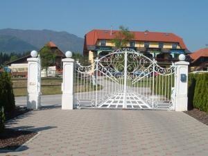 Kvalitetni stebri za ograje