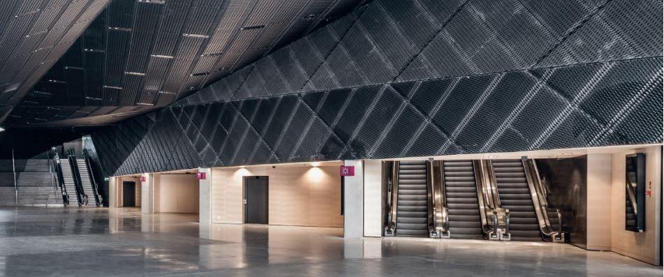 Industrijska stropna LED razsvetljava