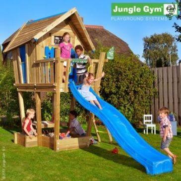 Tobogani in lesena hiška za otroke