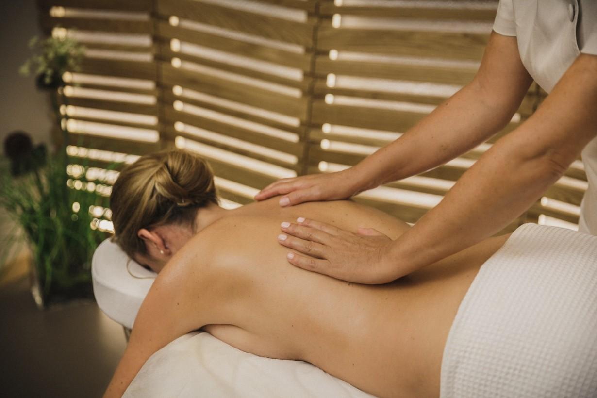 protibolečinska masaža