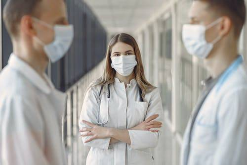 Kakovostna oblačila za zdravstvene delavce