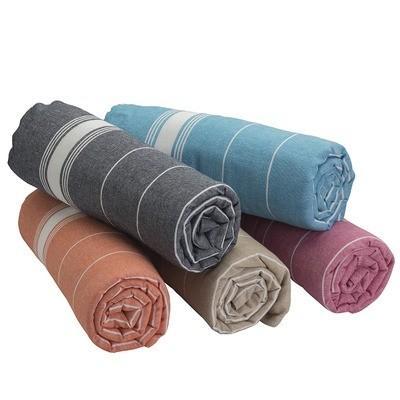 Poslovna darila iz tekstila z dodatnim potiskom na očeh tudi mimoidočim