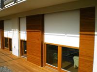 Zunanji screen roloji nudijo učinkovito zaščito: poleti preprečujejo segrevanje prostora, pozimi izolirajo.