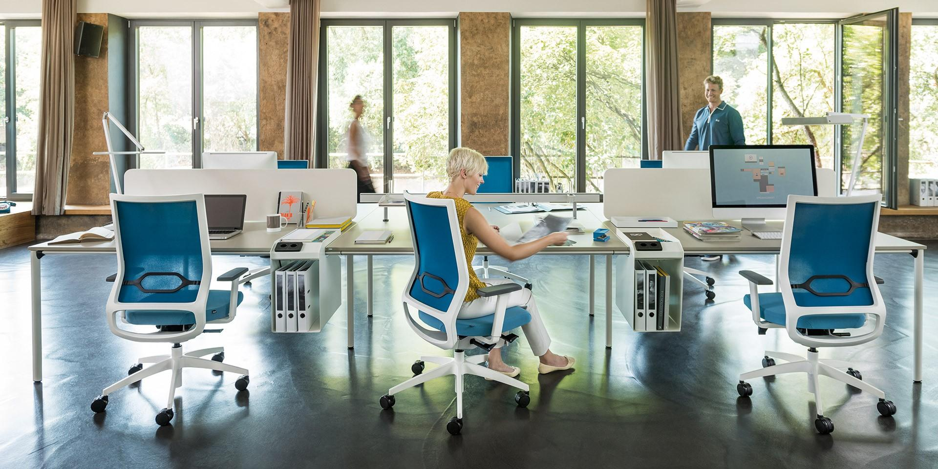 Vrtljivi pisarniški stoli