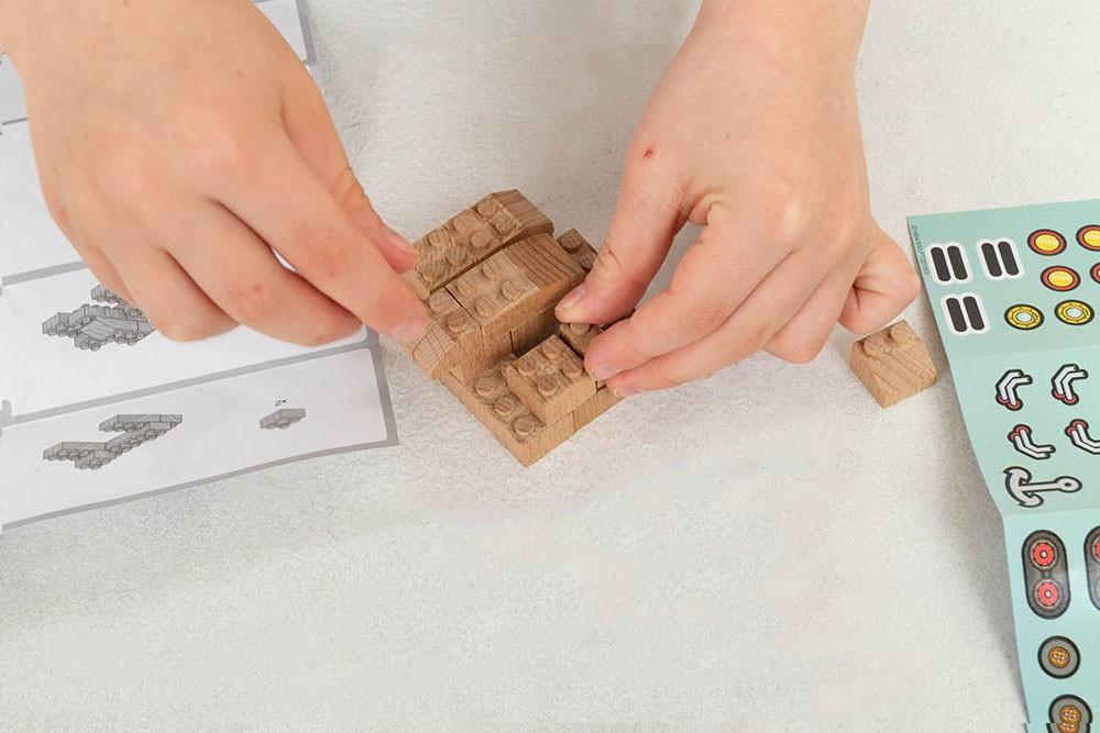 Kompatibilne lesene kocke