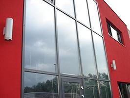 Fasadni profil iz aluminija in stekla