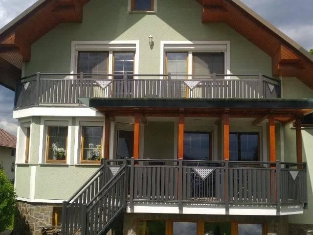 Vertikslane balkonske ograje