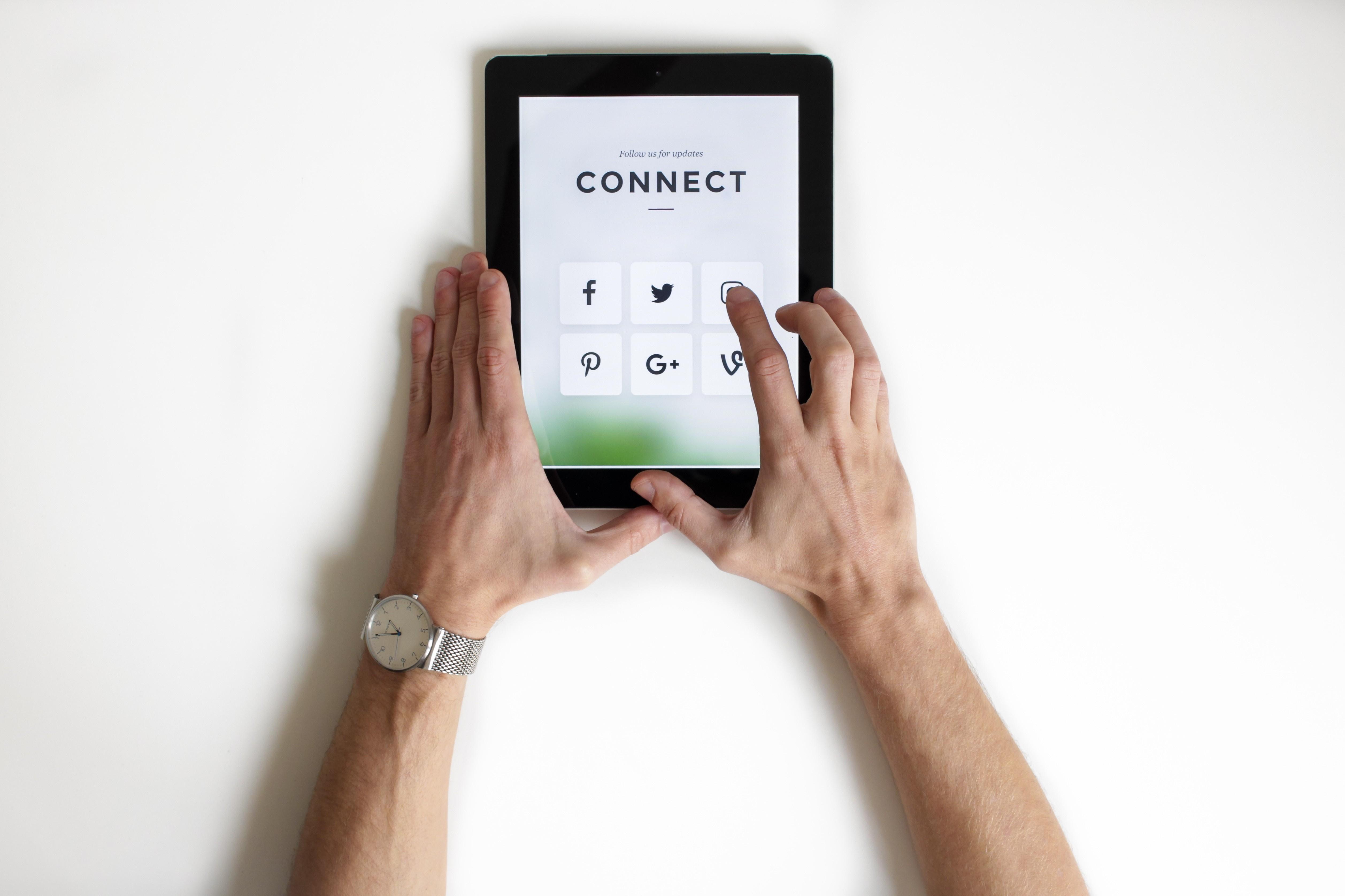 Upravljanje s socialnimi omrežji