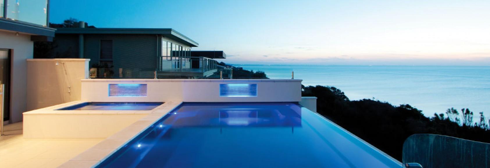 Osvetlitev bazena