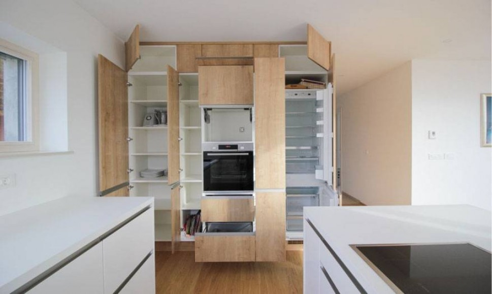 Moderna kuhinja čistil linij