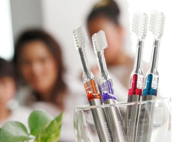 Zobne ščetke za čiščenje brez zobne paste