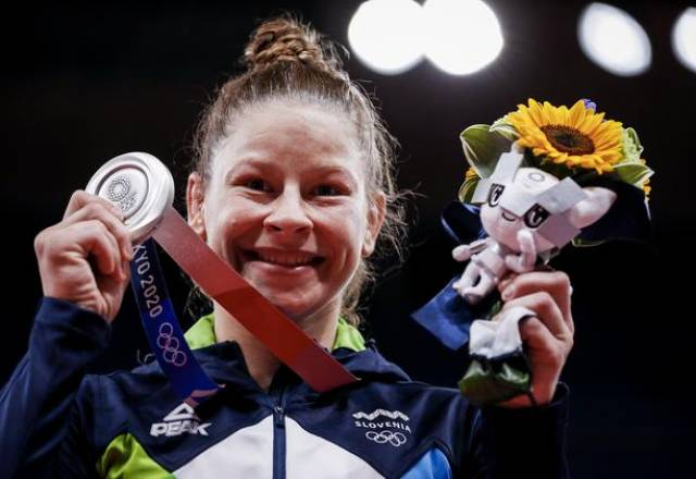 Tina Trstenjak je osvojila srebrno medaljo